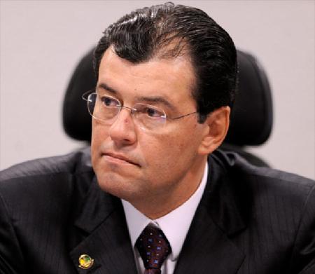 Resultado de imagem para Eduardo Braga governador